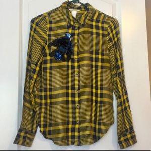 H&M yellow & navy plaid print button down shirt